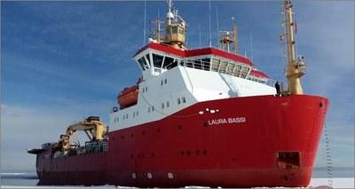 nave Laura Bassi