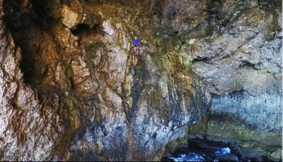 Operazioni_nella_grotta.jpg