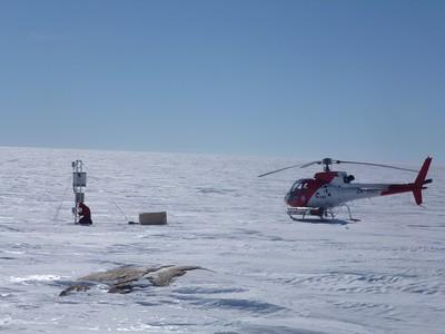 Manutenzione AWSCPNRA Osservatorio Meteo Climatologico Antartico ENEA.jpg
