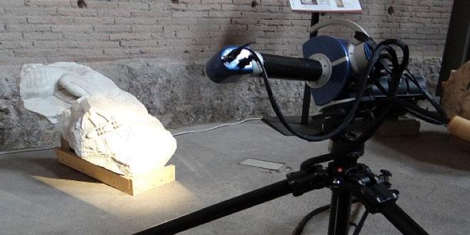 Strumento per scansioni laser