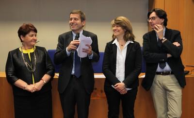 parte della Giuria del premio Energia Intelligente (da sinistra Bellanova, Testa, Canevari, Funiciello)