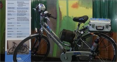 """Mobilità elettrica: Gran Premio Formula E a Roma, la bici elettrica """"a idrogeno"""" dell'ENEA alla parata dei mezzi ecologici"""