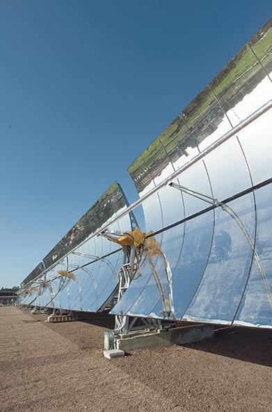 """Impianto solare termodinamico PCS (Prova Componenti Solari), realizzato dall'ENEA presso il Centro Ricerche Casaccia che ha permesso di sviluppare e sperimentare soluzioni e idee altamente innovative (fluido con migliori prestazioni termodinamiche, """"tubo ricevitore"""" avanzato ecc.) e di qualificare l'industria italiana del settore"""