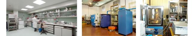 Camera secca per la realizzazione e prova di celle al litio(sinistra), due dei ciclatori del laboratorio, insieme con una camera climatica(centro) e stazione prova supercondensatori (destra)